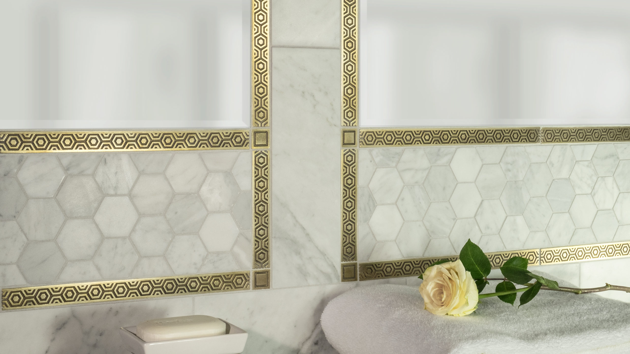 Traditional Octave and Traditional Dahlia - White marble