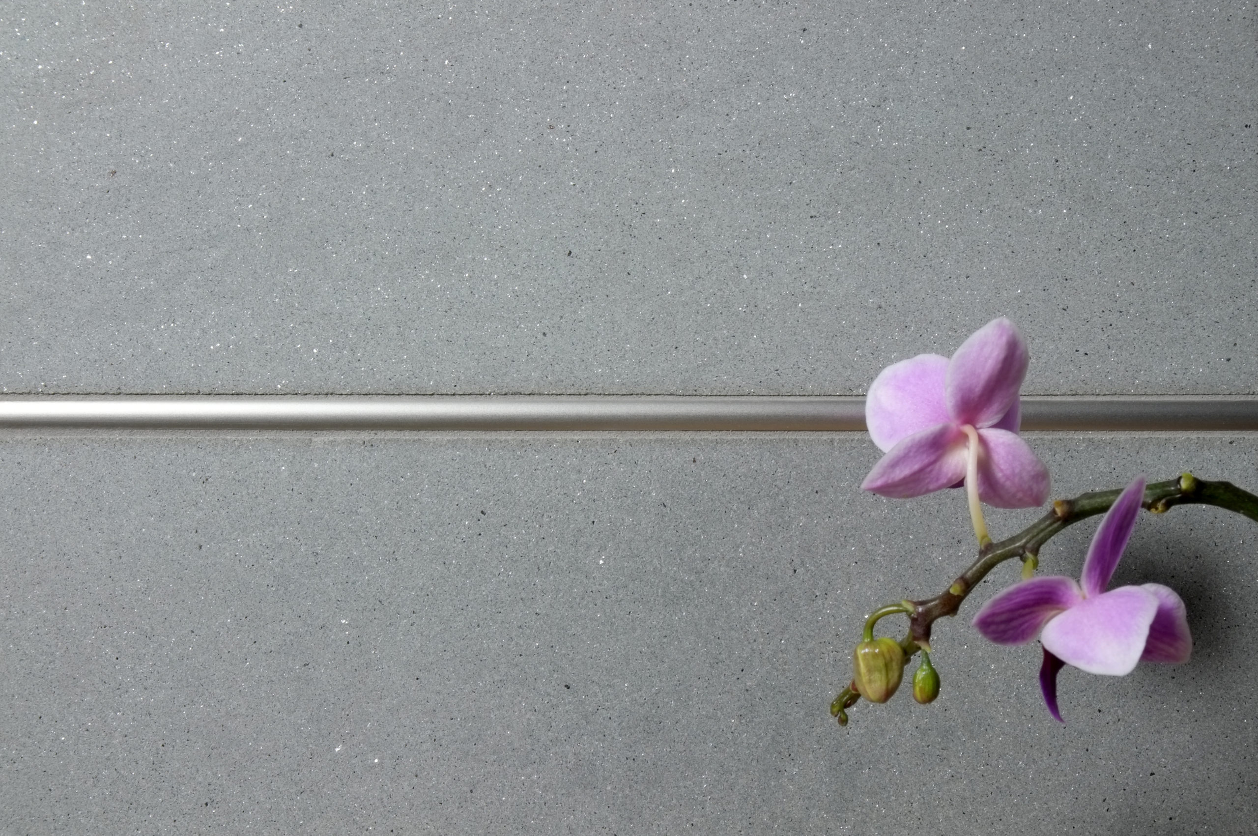 BWS Precision Liner Satin Nickel grey limestone closeup