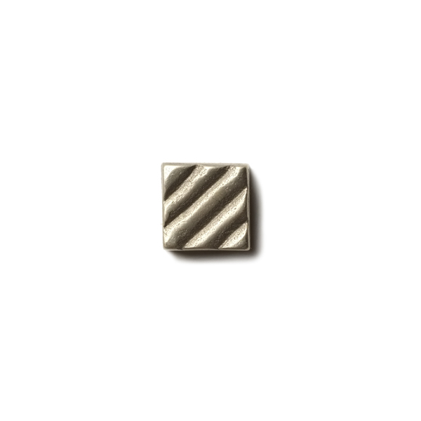 Ruffle 0.63x0.63 inch accent tile  White Bronze