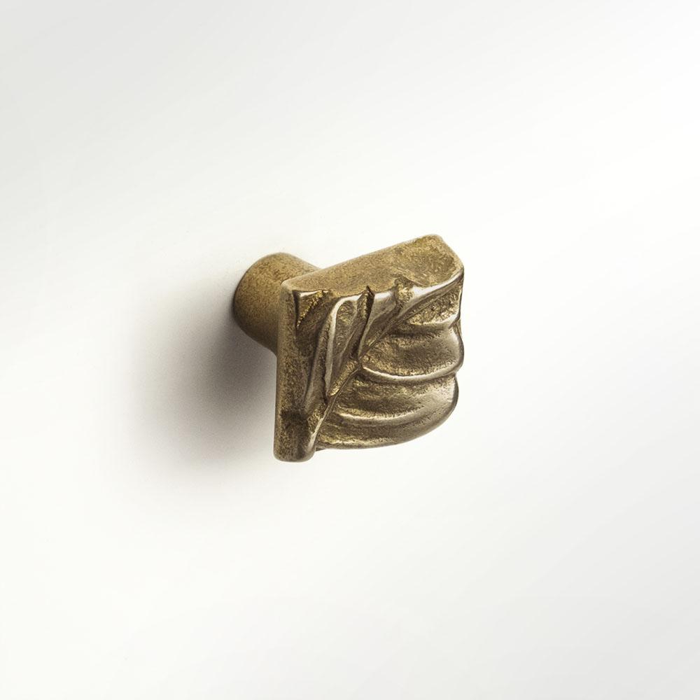 Aspen Leaf knob 1x1 inch Traditional Bronze