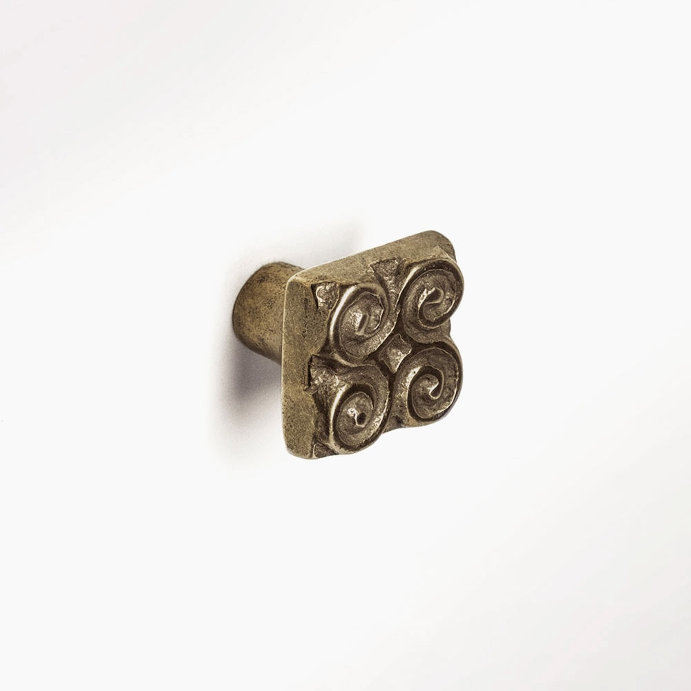 Pinwheel knob 1x1 inch Traditional Bronze