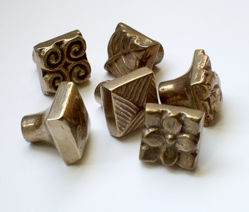 Foundry Art bronze accent knobs