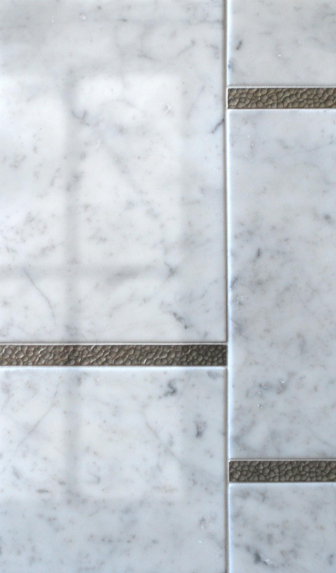 white bronze liner transitional Venatino marble
